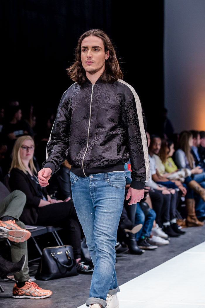 Photo of outfit from Collage Fashion Fall-Winter 2018 collection and runway show at Fashion Preview #7